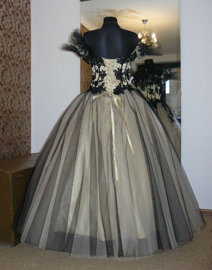 d6d5134641e plesové šaty » p na objednání » princeznovské · svatební šaty » na  objednání » princeznovské · svatební šaty » exkluzivní kolekce